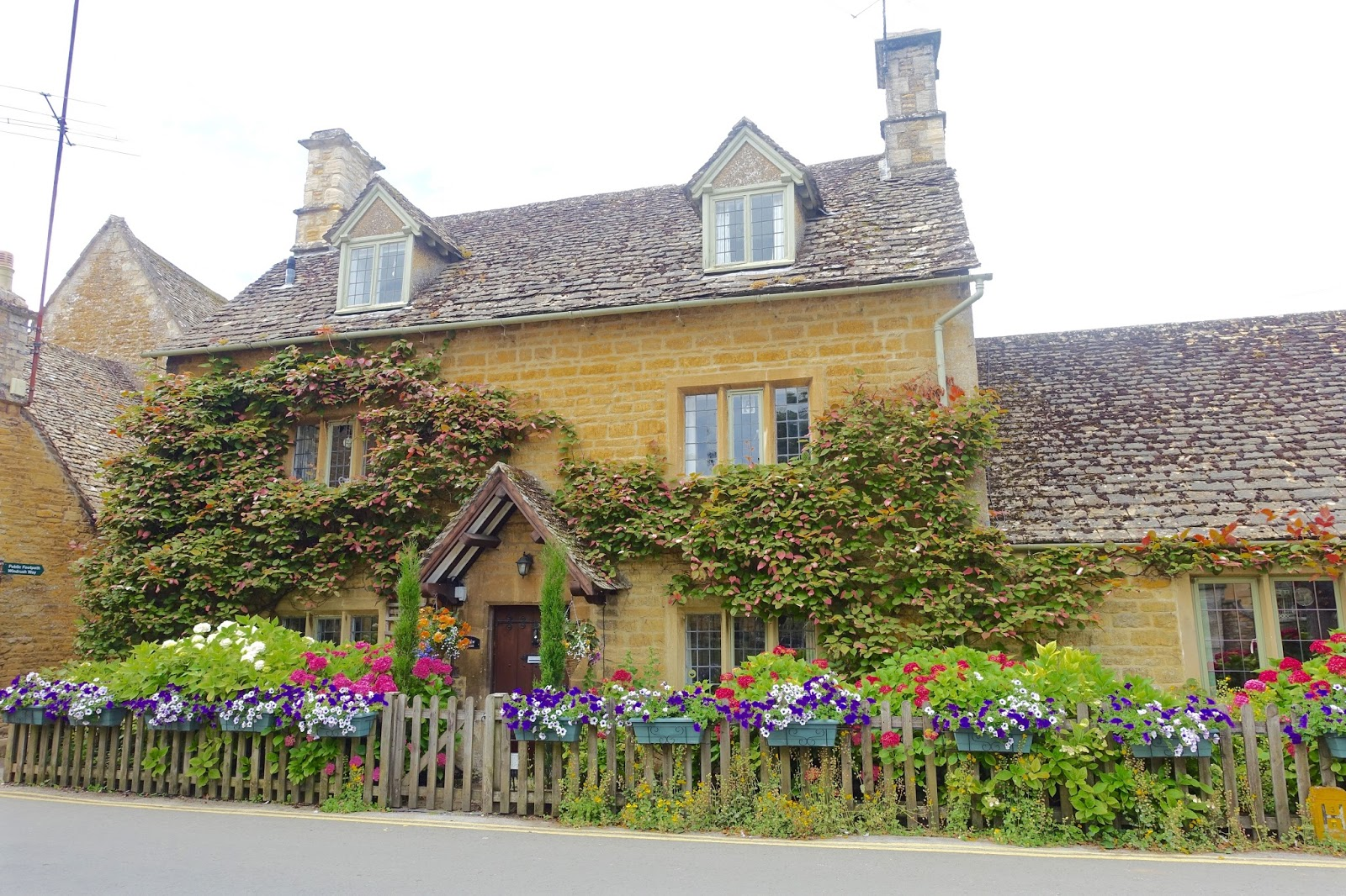 Bourton-on-the-water best looking houses