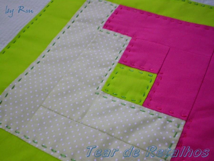 Trabalho em patchwork com o quilt reto