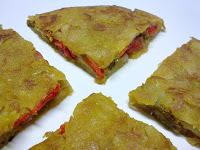 Tortilla Vegana de Patata, Rellena de Pimiento Asado.