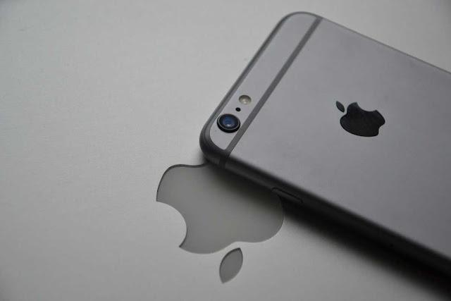 آبل تحصل على حقوق براءة اختراع هاتف ذكي  قابل للطي