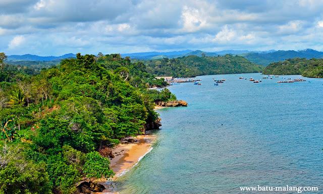 wisata pantai sendangbiru di malang selatan