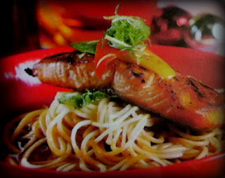 Ikan salmon sangat baik untuk pengembangan otak pada bayi Resep Spaghetti Ikan Salmon Jahe
