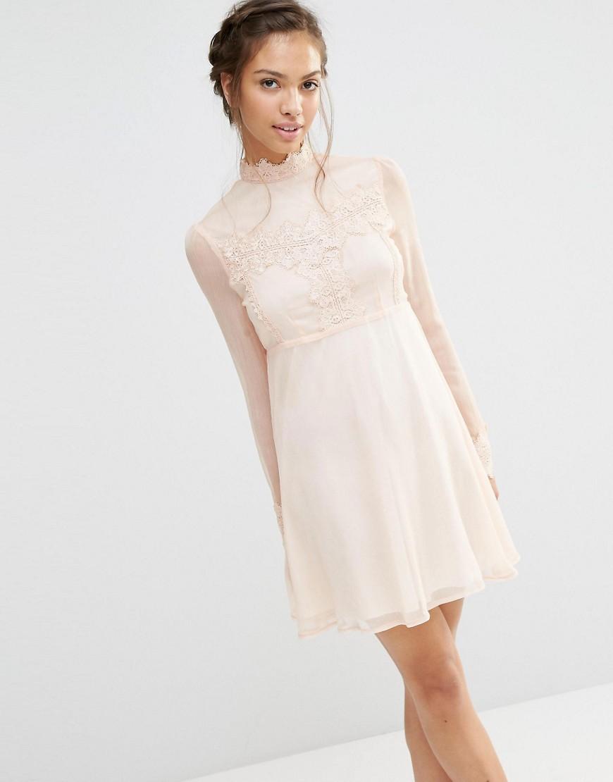 Elegante kleider fur taufe