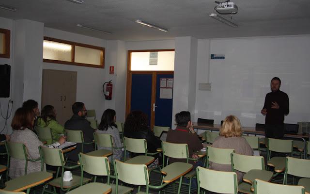 charla coeducacion con docentes del Condestable de Illescas. IMAGEN ILLESCAS COMUNICACIÓN