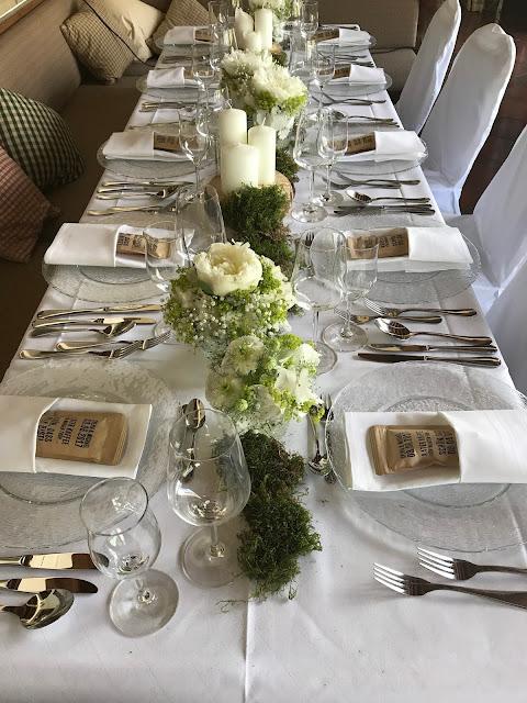 Tischdekoration, Hochzeit in Apfelgrün und Weiß im Riessersee Hotel Garmisch-Partenkirchen, Hochzeitshotel in Bayern, heiraten in den Bergen am See