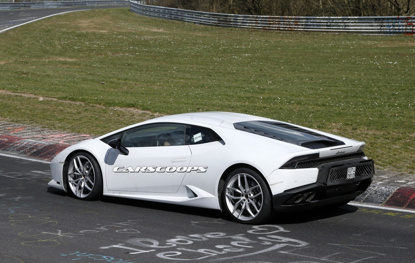 lamborghini spied testing hotter huracan could be the superleggera. Black Bedroom Furniture Sets. Home Design Ideas