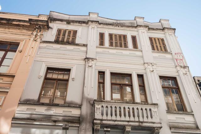 Edifício eclético na Rua Saldanha Marinho, 66 em Curitiba