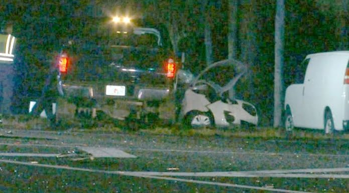 """Il navigatore: """"Fare Inversione a U"""", famiglia di 4 persone muore travolta da un pickup"""