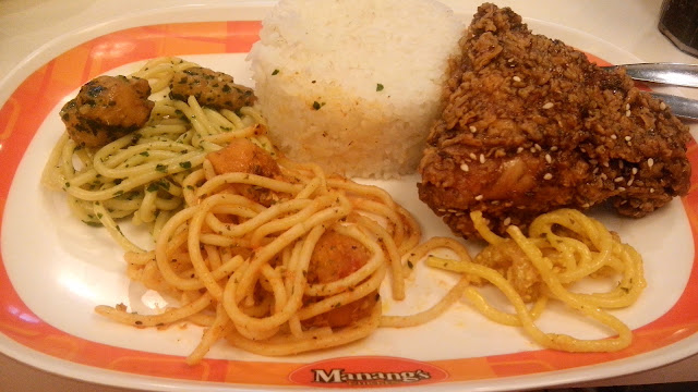 Manang's Gourment Pasta Plates Set Meal with drinks for just Php 84. The toppings are chicken poppers (+ Php 15).