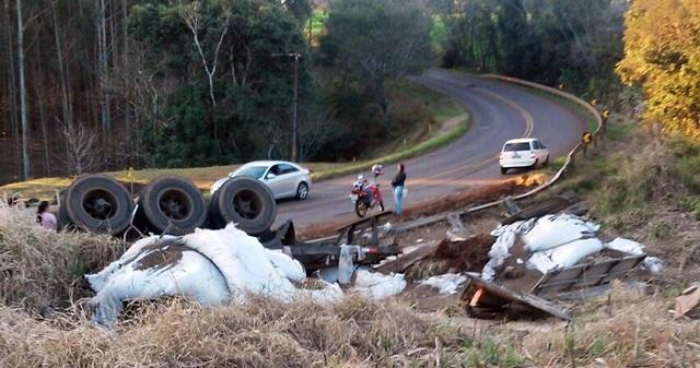 """Roncador: Grave acidente foi registrado na tarde de domingo na """"Curva do Açúcar"""""""