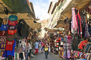 San Lorenzo market in Florence