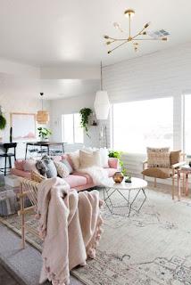 Desain Ruang Keluarga Warna Putih Mewah