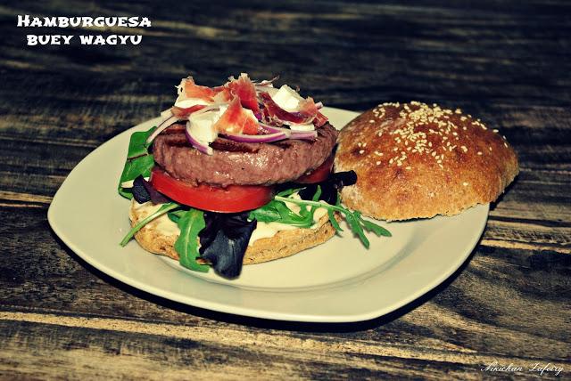 receta-de-pan-de-hamburguesa-integral-con-carne-de-buey-wagyu