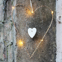 https://www.amanda-mercer.co.uk/seasonal-decorations/gold-led-heart-decoration?cPath=33&