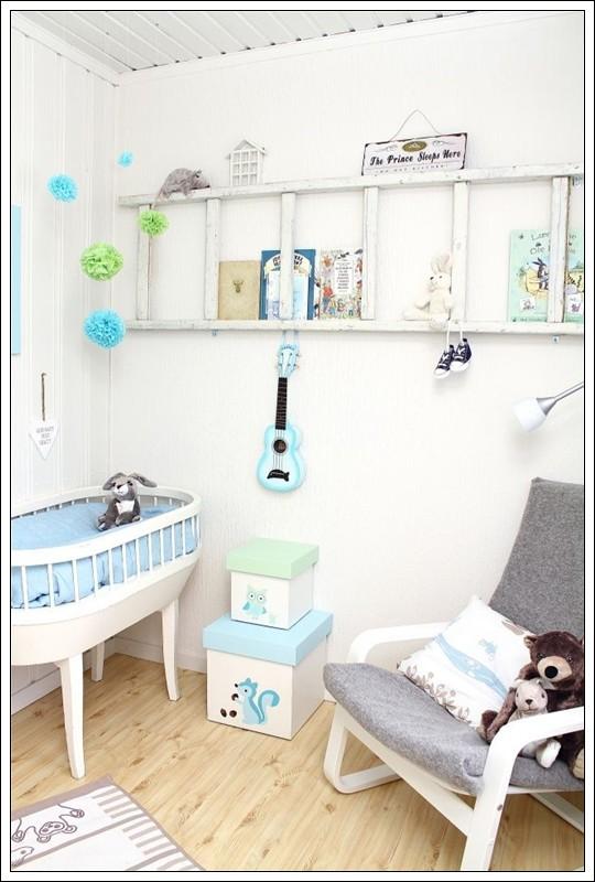 Escaleras reicladas en estantería para decoracion infantil