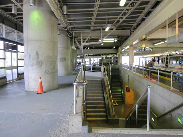Interior of Lawrence East station