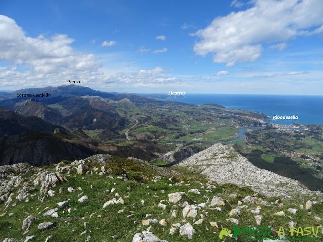 Sierra de la Cueva Negra: Desde el Jorovitaya o Peña el Taxista, vista hacia Ribadesella