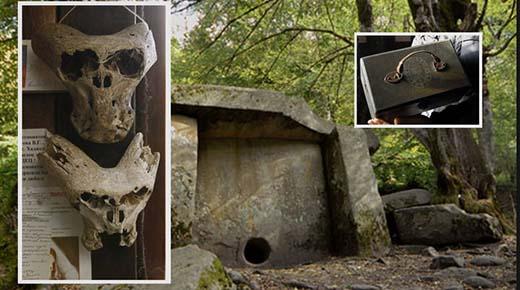 Maletín del Tercer Reich y dos cráneos alienígenas encontrados en las montañas en Rusia
