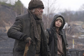 the road-robert duvall-kodi smit-mcphee