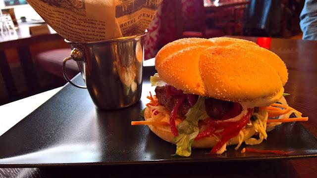 mallaspullan hampurilaistesti jyväskylä hampurilainen huviretki talon burger