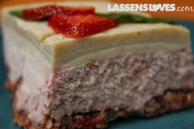 raw+vegan, strawberry+cheesecake