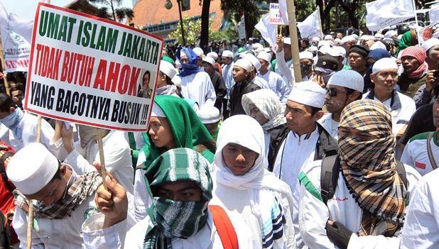 FPI Bawa Tanda Tangan Warga Tolak Ahok Jadi Gubernur DKI