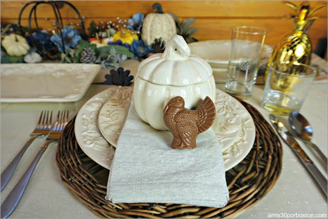 Nuestra Mesa para la Cena de Acción de Gracias con el Pavo de Chocolate