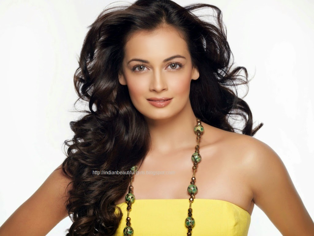 Diya Mirza Hot Wallpapers  Pictures Gallery-7059