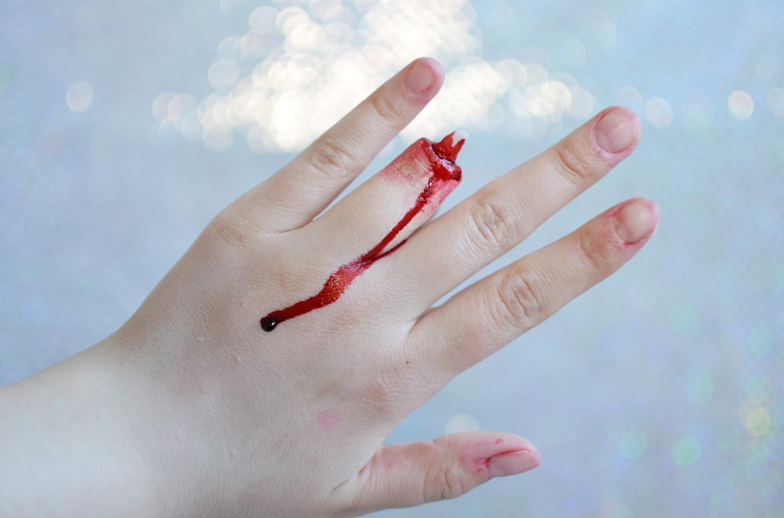 charakteryzacja odcięty palec