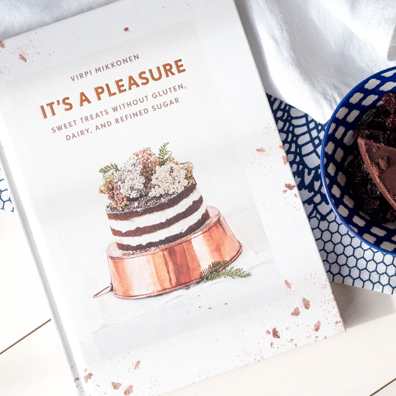 Today I'm showing you how to make sugar free, dairy free and gluten free rum and raisin chocolate, from my latest book find - It's a Pleasure by Virpi Mikkonen.