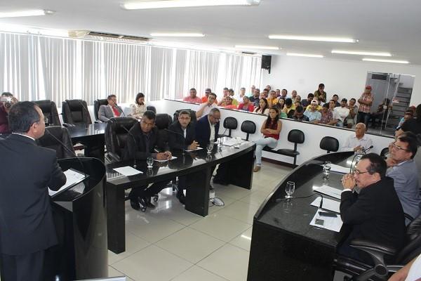 Presidente Kel  envia Projeto de Lei que reduz taxa de iluminação pública para comissões