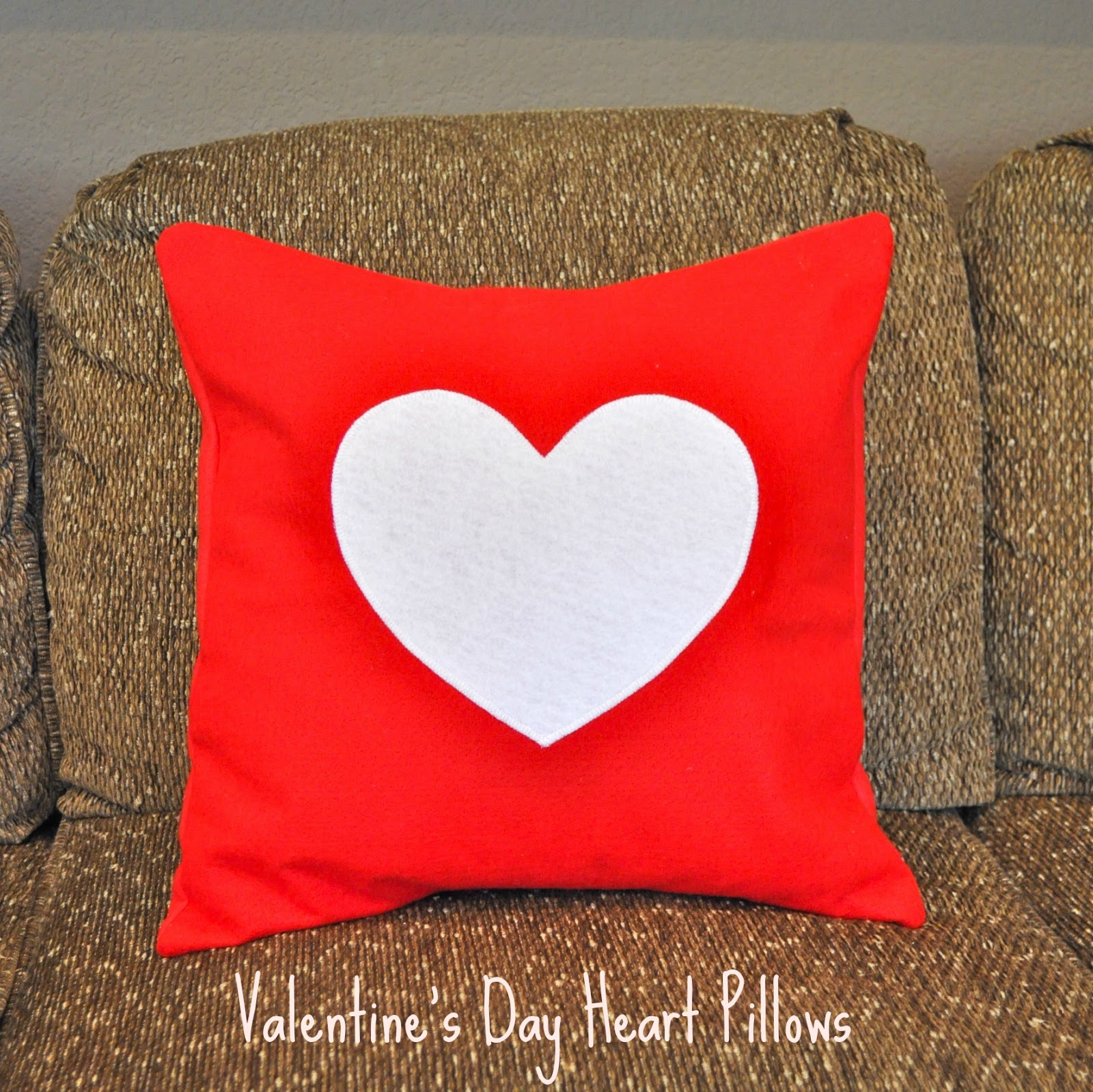 Make Life Lovely: Valentine's Day Felt Heart Pillows
