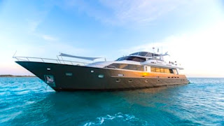 Luxury Crewed Yacht Charter Vacation on Motor Yacht Unbridled