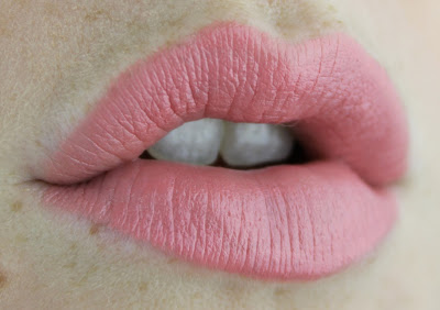 Pink Holiday Lipstick in Weekend in Como Lip Swatch