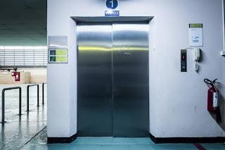 รับติดตั้งลิฟท์-บันไดเลื่อน ซ่อมแซมบำรุงรักษาลิฟต์-บันไดเลื่อนทุกชนิดทุกประเภท พร้อมทั้งจำหน่ายอุปกรณ์เกี่ยวกับลิฟต์-บันไดเลื่อนทุกชนิดทุกประเภท บริการ 24 ชม.