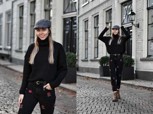 Outfit met geruite Action flat cap zwarte gebreide nakd coltrui roosjes rose jeans zara bruine Dr Martens Shoeby riem met studs