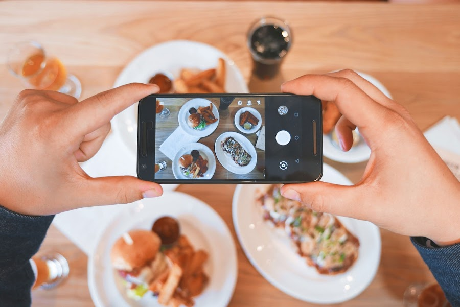 How Content Automation, Artificial Intelligence, and Instagram helping this guy eat for free in NYC