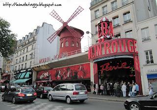 Moulin Rouge. Montmartre. Paris