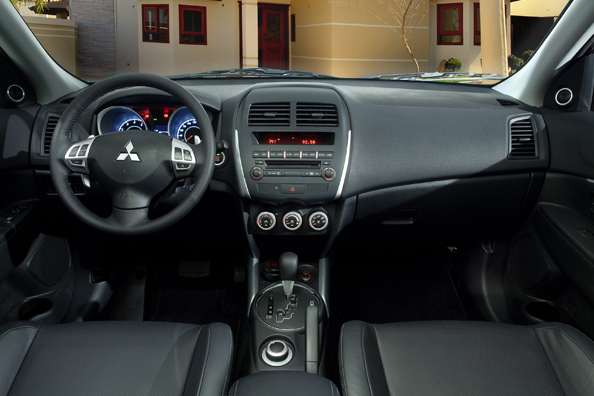 car in Mitsubishi ASX 2013