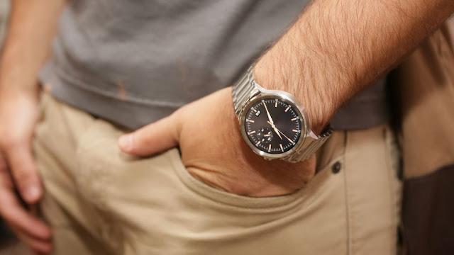 Hindari 4 Kesalahan Penggunaan Jam Tangan pada Pria
