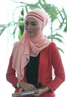 Model Baju Busana Muslim Terbaru Gaya Artis