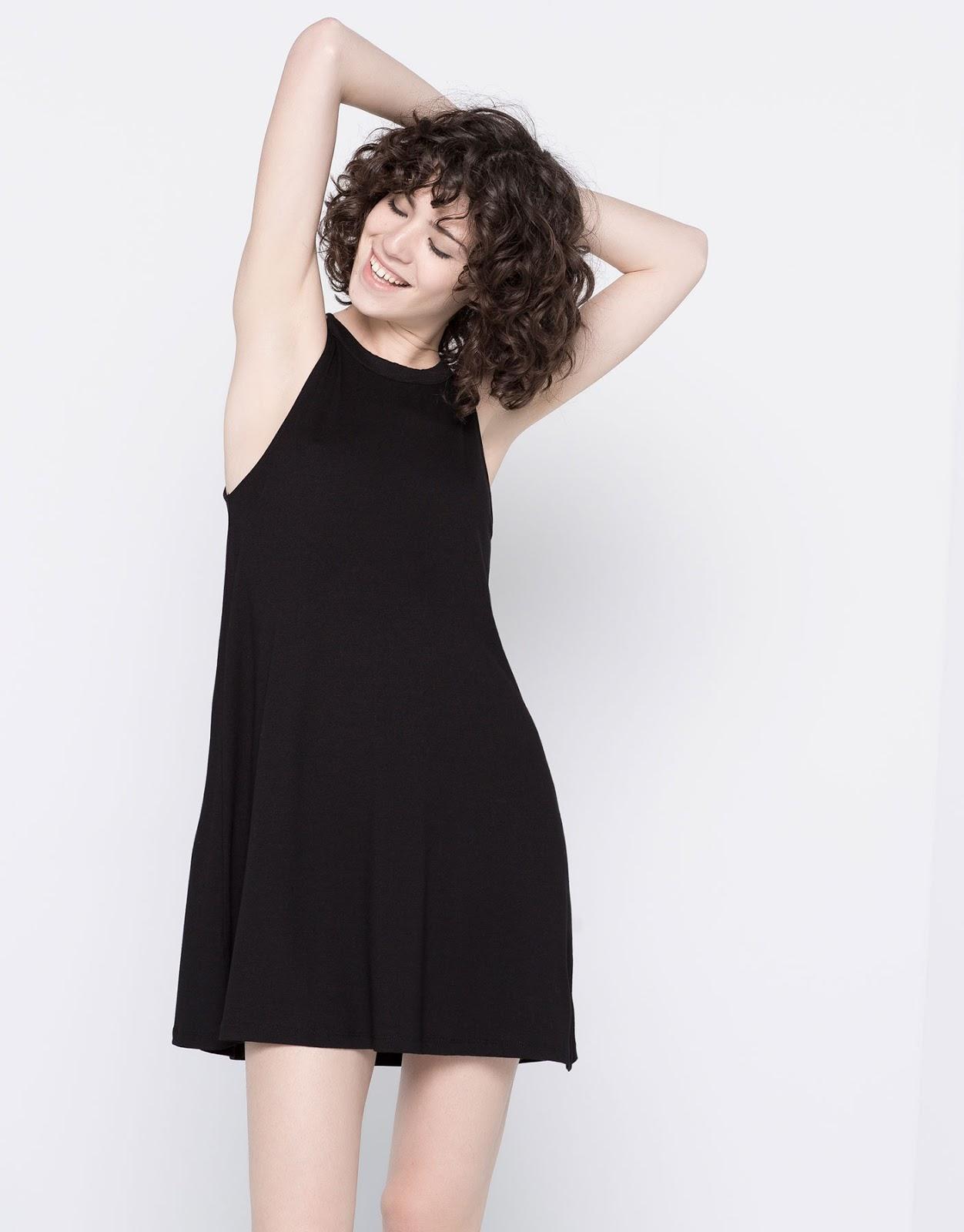 Vestido negro corto cuello halter