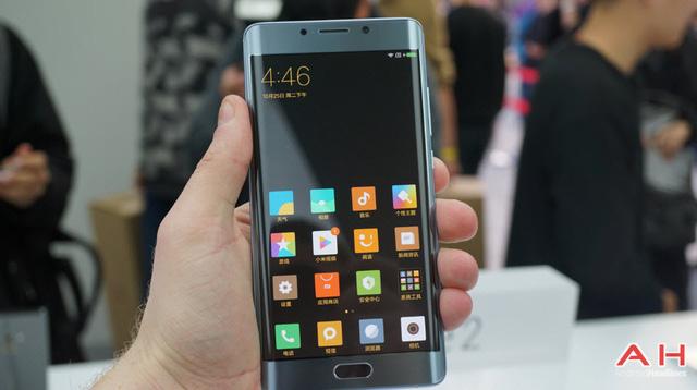 Chỉ sau 50 giây, Xiaomi Mi Note 2 đã cháy hàng