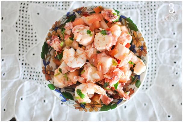 salada de camarão com polvo