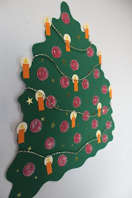 DIY-Basteltipp für einen Adventskalender aus Luftpolsterfolie von Ars Vera.