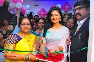 Sreemukhi Launches Manvis Saloon  0031.jpg