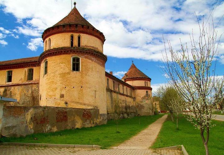 Castelul Borosjenoi, Ineu