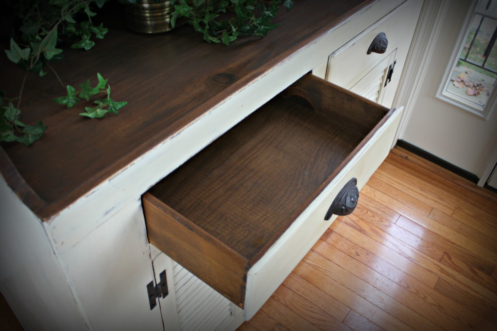 Dry sink with 2 drawers