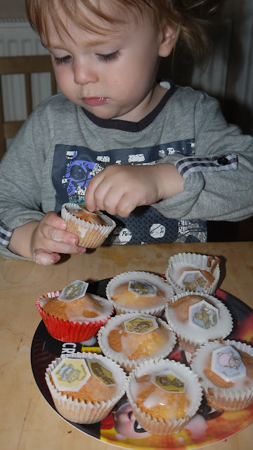 decorating cupcakes