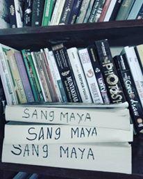 Koleksi Buku Sang Maya - Perpustakaan Kecil Pribadi
